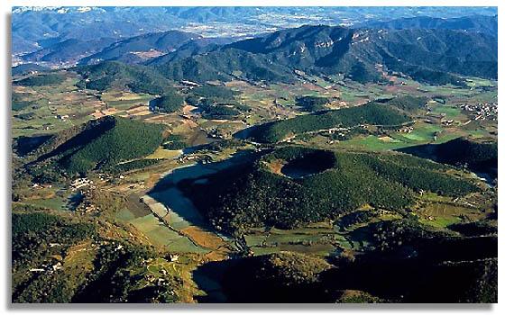 Resultat d'imatges de zona volcanica de la garrotxa